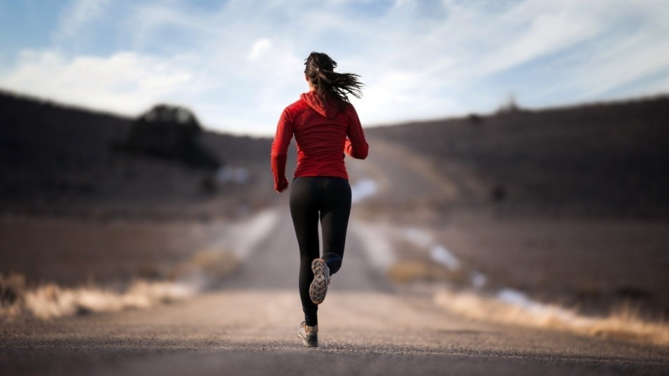 ewb0009438-girl-jogging-hd-wallpapers